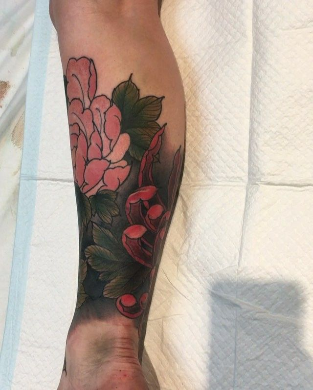 Here's video of yesterday's lower leg piece! All done in one session, everything except the peony is a cover up.
