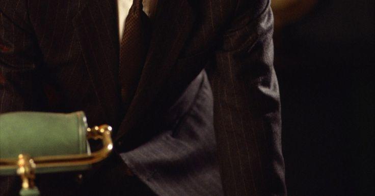 Perguntas de entrevista para fazer a um candidato a diretor executivo. Contratar um Diretor Executivo pode parecer uma tarefa intimidadora. Antes de entrevistar os candidatos qualificados para a vaga, uma análise detalhada da descrição de cargo deve ser feita, além da identificação dos conhecimentos, habilidades e atitudes (CHA) necessárias para o cargo. O grupo de recrutadores deve buscar candidatos em potencial, e ...
