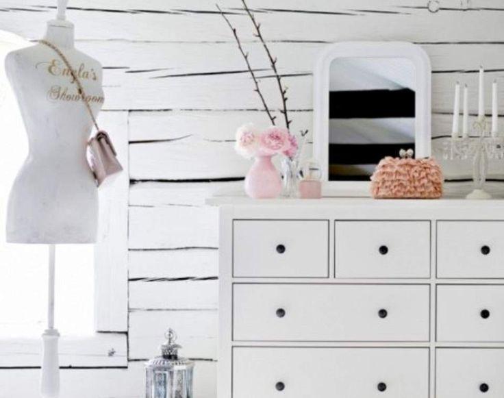 Dressing rooms με στυλ Ρομαντικοί χώροι με ρετρό διακόσμηση.