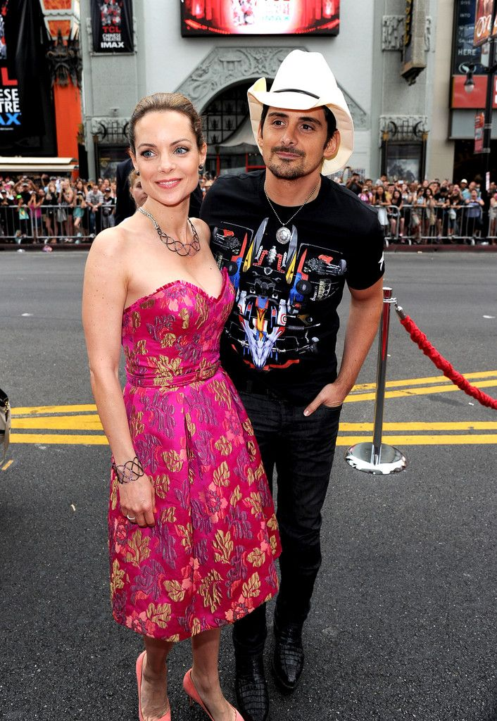 "Kimberly Williams wearing a pink jacquard THEIA party dress to the premier of Disney's ""Planes: Fire & Rescue"""