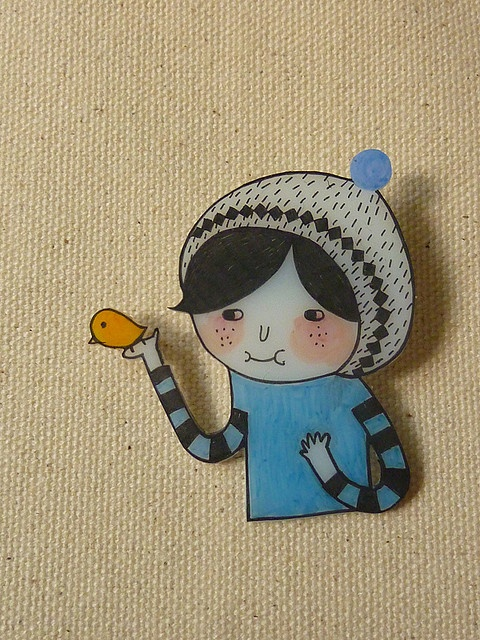 Bird and Snow Hat (Boy) - Shrink Plastic Brooch by Minifanfan Eng, via Flickr