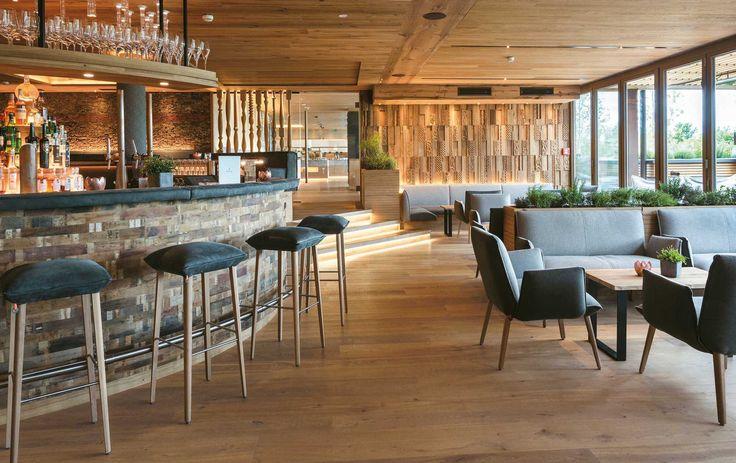 Ambientes únicos con nuestras maderas de diferentes formatos, texturas y colores PAUMATS. #paumats #wood #flooring #rustic #sustainable #interiordesign #architecture #bar