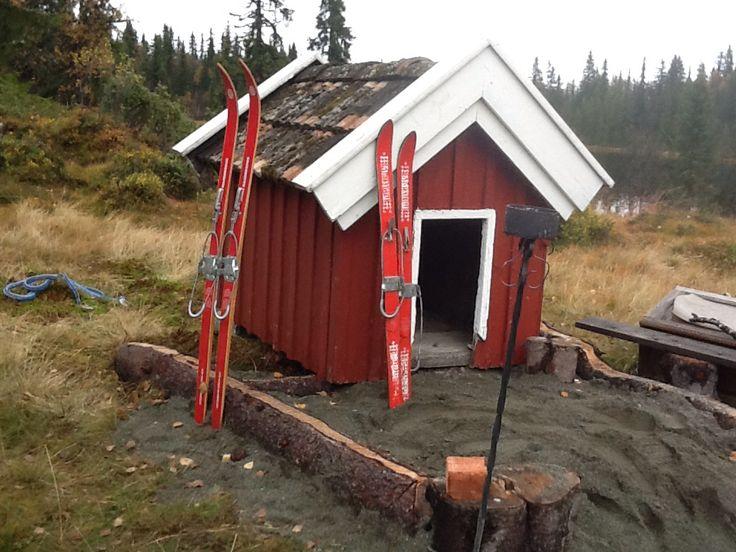 Hunde dukkehus fått av Aud og Kjell og skipene fra loppa