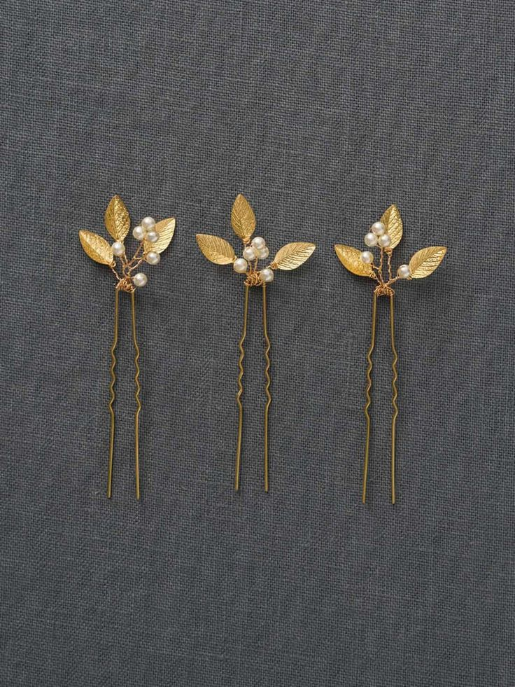 Gold Small Wedding Hair Combs | Gold Wedding Hair Accessories | Gold Leaf Bridal Hair Comb [Adele Hairpin] by DavieandChiyo on Etsy https://www.etsy.com/listing/226084006/gold-small-wedding-hair-combs-gold