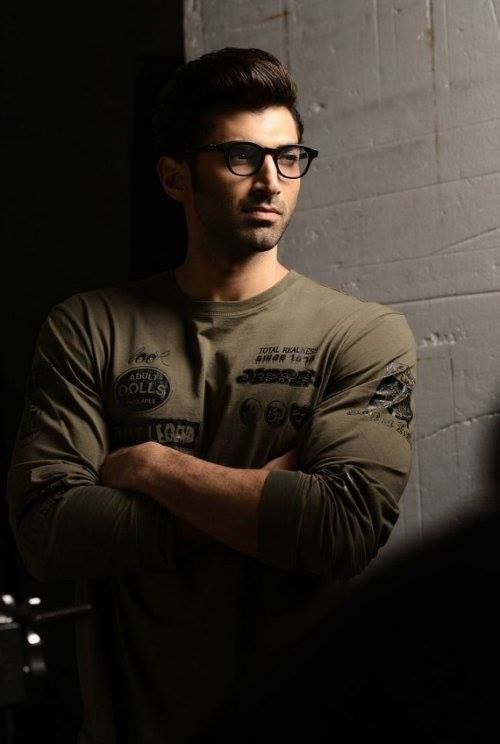 Aditya Roy Kapoor. Those glasses!!