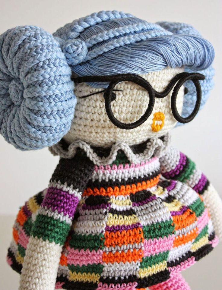 ET – Blogit   Reijan räsymatto – Annariikka virkkaa mahtavan persoonallisia nukkeja