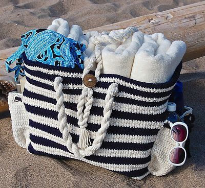 """Nautical Knots"" Beach / Yarn / Tote Bag, de Jennifer Pionk. http://www.ravelry.com/patterns/library/nautical-knots-beach---yarn---tote-bag"