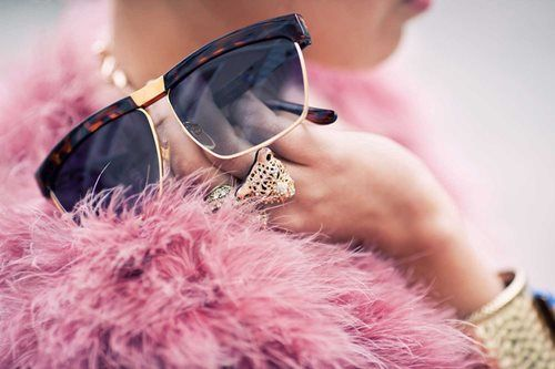 So gorgeous. I love pink & gold!