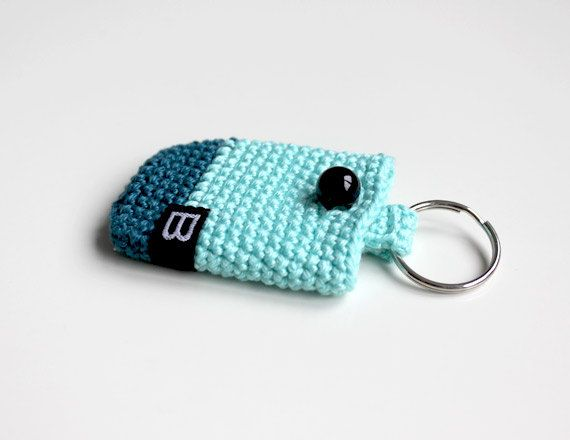 Crochet Quarter Keeper : Crochet keychain coin holder // mini coin purse - crochet keyring key ...