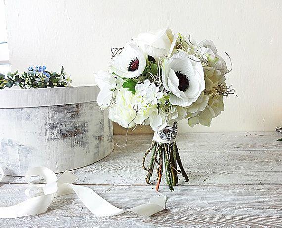 Anemoni Rose ortensie viticci muschio spagnolo sposa bouquet artificiale vero tocco seta fiori bianchi