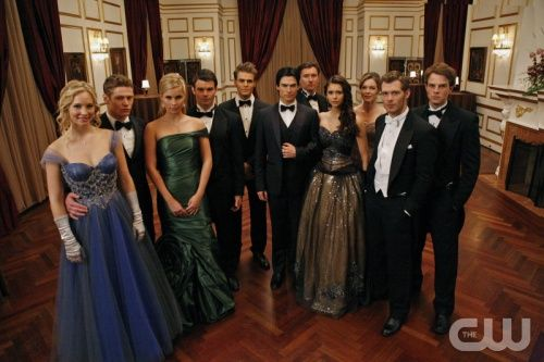 Vampire Diaries  I love Elena's dress!