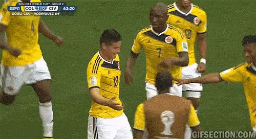 Colombian players celebrate Rodriguez goal [Colombia-Ivory Coast] | GIF Section