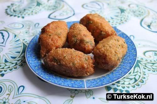 patates koftesi (Aardappel koftes)