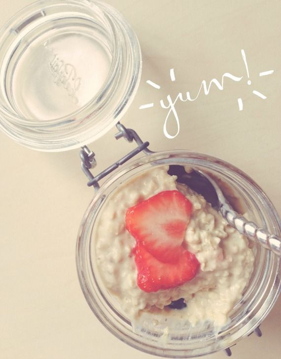 Healthy breakfast - easy overnight oats. No cooking required!
