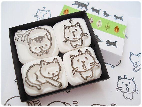 He encontrado este interesante anuncio de Etsy en https://www.etsy.com/es/listing/127200635/cats-stamps-little-kitty-stamps-set-of-4