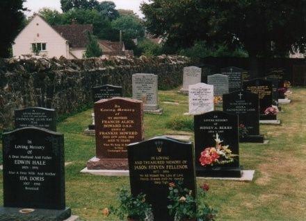 Frankie Howerd (1917 - 1992) - Find A Grave Photos