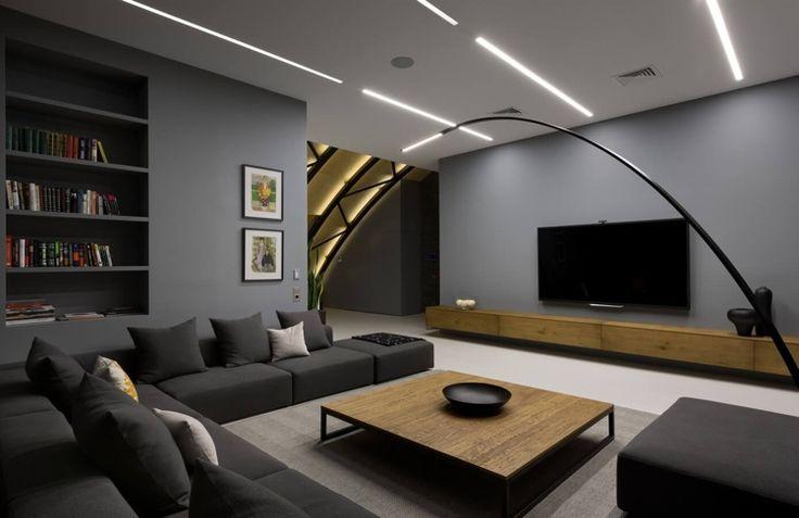 Anthrazit Farbe mit Holz im modernen Interior kombinieren