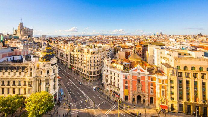 Fitch advierte de una burbuja inmobiliaria en los centros de las grandes ciudades en España  ||  La agencia de calificación Fitch advierte de que ya es visible una burbuja inmobiliaria en los centros de las grandes ciudades en España, aunque aclara que no anticipa ninguna burbuja en los precios de la vivienda de manera generalizada en el país en el corto…