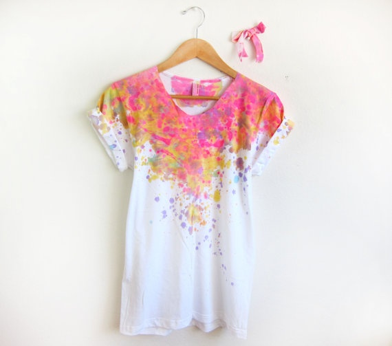 Splash-dyed, hand-painted tee.Clothing Altered, Hands Painting, Painting Scoop, Diy Fashion, Acid Pink, Splashes Dyed, Dyed Hands, Cuffs Tees, Neck Pin