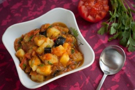 Potato and eggplant curry which is wonderful with basmati rice! #vegelicacy
