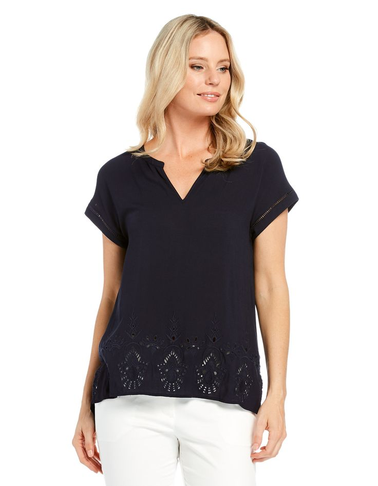 Embroidered Hem Blouse | JacquiE