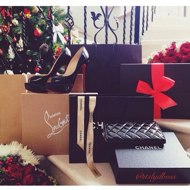 designer christmas gifts for her