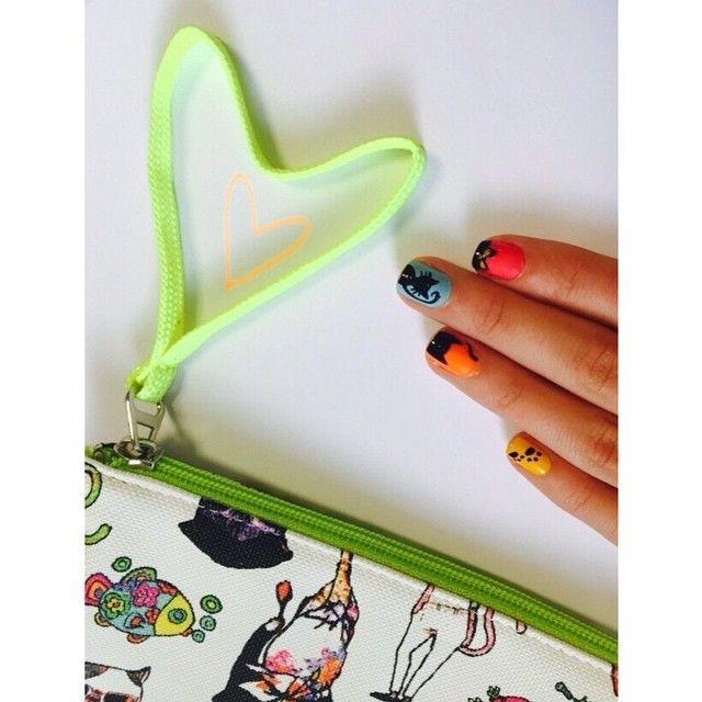 Miyaaav  Lilly Kedi Çanta lilakutu.com'da satışta. Ayrıca 199 TL ve üzeri alışverişlerde hediye!