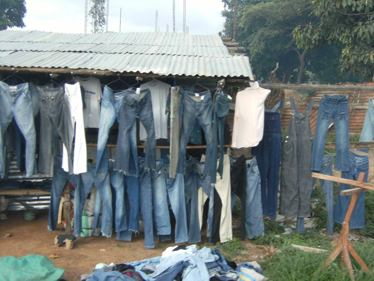 Jeans shop at Tanji. Gàmbia