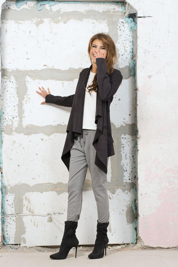 Zamszowa, asymetryczna narzutka. Suede, asymetric overlay jacket. http://www.bee.com.pl/e-sklep/