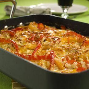 Arvekyllingen (gratinert kylling i kremet saus med paprika og tomat)