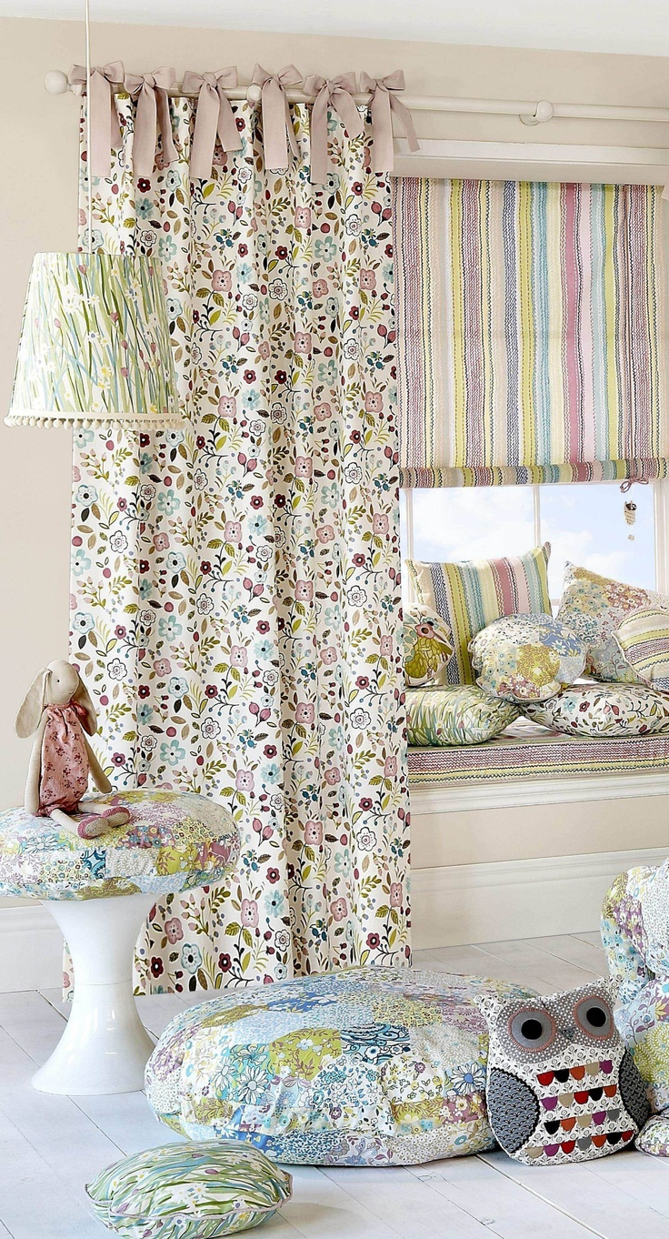 Girl's bedroom curtains - design ideas