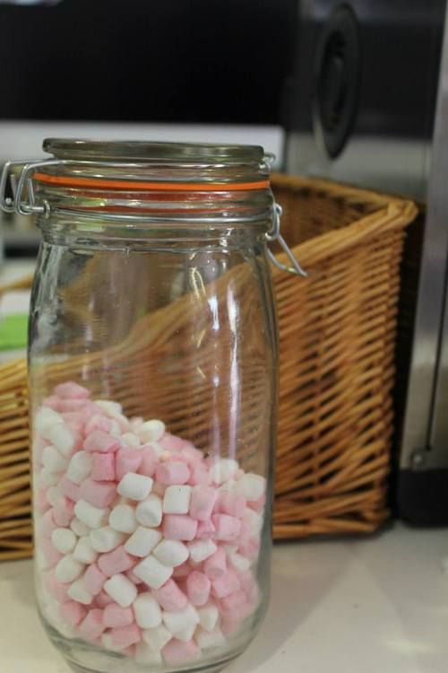 Immagine di basket, candies, and candy
