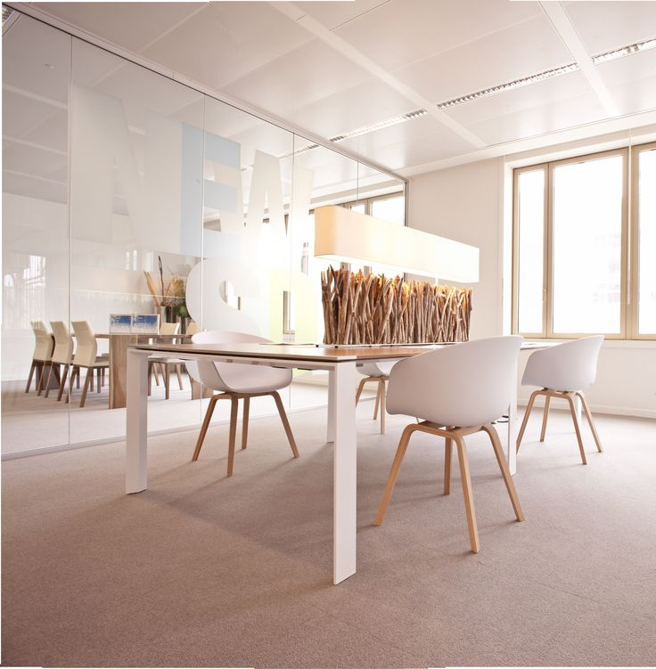 Open space pour co working agencé par cléram style design bureau
