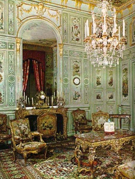 Château de Champs-sur-Marne www.antonvenoirinteriors.com