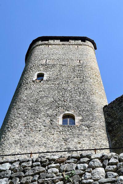 Mastio -  Castello di Sabbionara d'Avio - Trentino  -  https://it.wikipedia.org/wiki/Castello_di_Avio