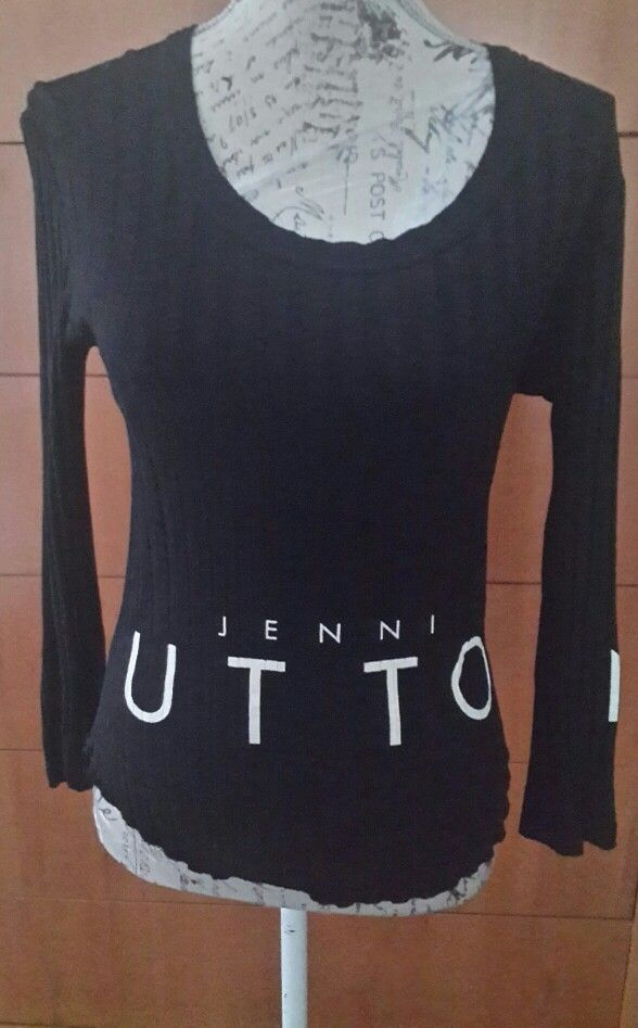 Black Top Jenni Button