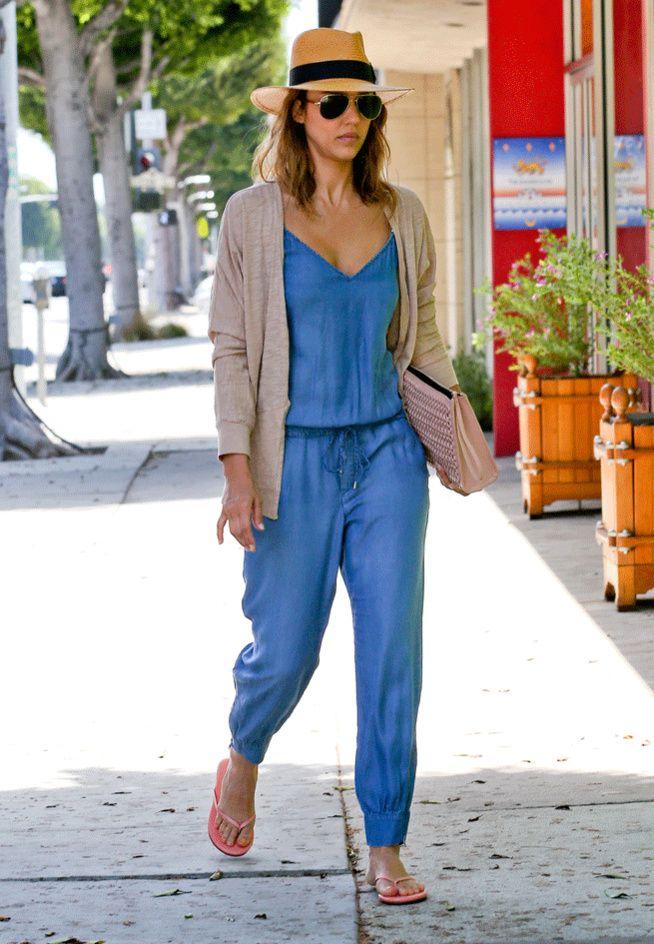 La combinaison en jean de Jessica Alba