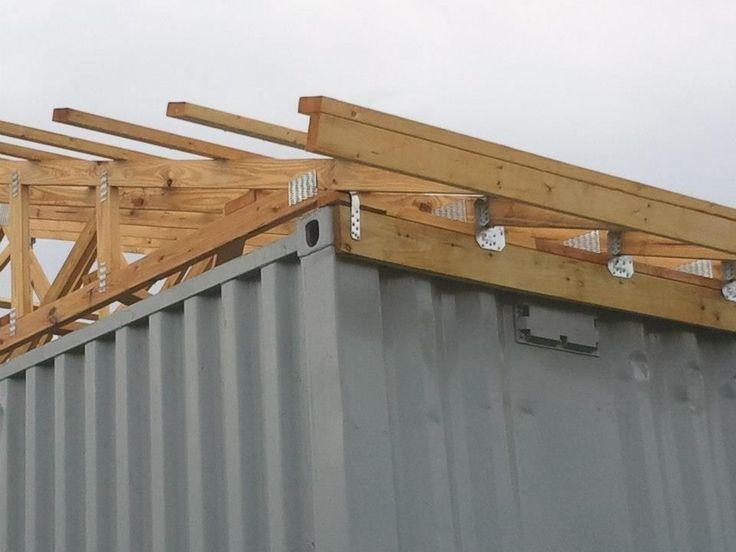 Satteldach auf Container bauen Dach Containerhaus Schiffscontainer