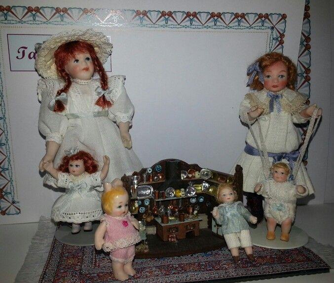 Muñecas de porcelana escala 1/12 realizadas en el taller TM.