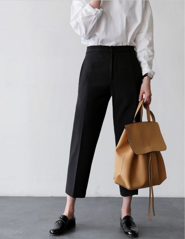 Chic business style via Death by Elocution #ootd Join and get your exclusive subscription of elevated essentials for design enthusiasts @ minimalism.co