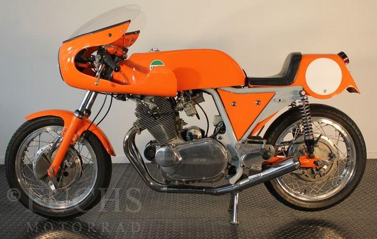 1974 LAVERDA • 750 SFC