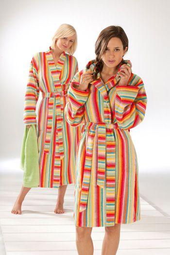 CaWö Bademantel Lifestyle Multicolor! Hochwertige Baumwolle - made in Germany! http://www.handtuch-welt.de/Unsere-Marken/CaWoe/CaWoe-Bademantel/Cawoe-Damen-Bademantel-Life-Style-Kurzmantel-mit-Kapuze-7082-Farbe-multicolor-25.html