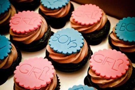 gender reveal cute cupcakes.