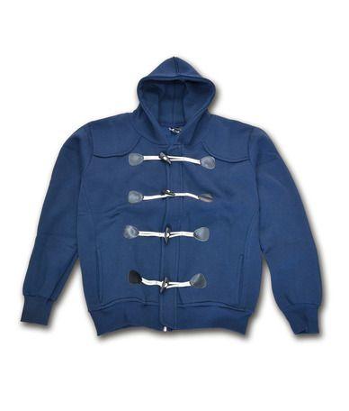 Ανδρική φούτερ ζακέτα με κουκούλα 100% βαμβακερή σε δύο υπέροχα χρώματα. Η ζακέτα έχει εσωτερικό φερμουάρ αλλά και εξωτερικά 4 κουμπιά για ιδιαίτερο κούμπωμα. Φορέστε τη πάνω από μπλουζάκια με τζιν για sportive εμφανίσεις.