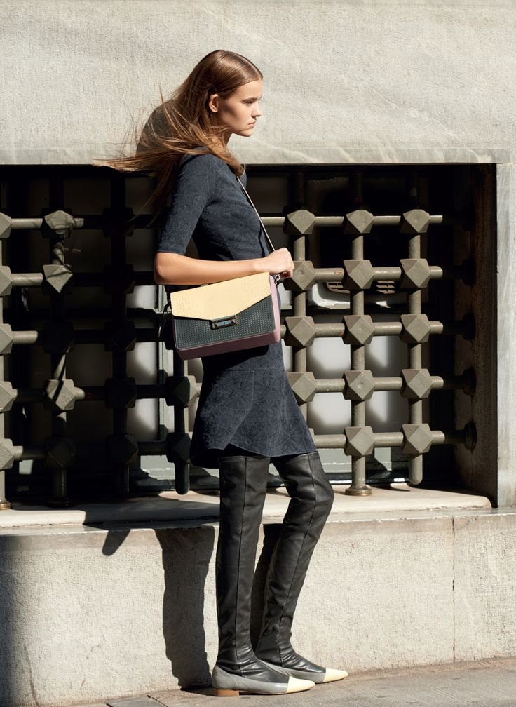 #MMissoni Catalogue | LACE MOTIF JACQUARD DRESS AND BEIGE MOCK-CROCK BRIEFCASE | Fall 2014 Collection