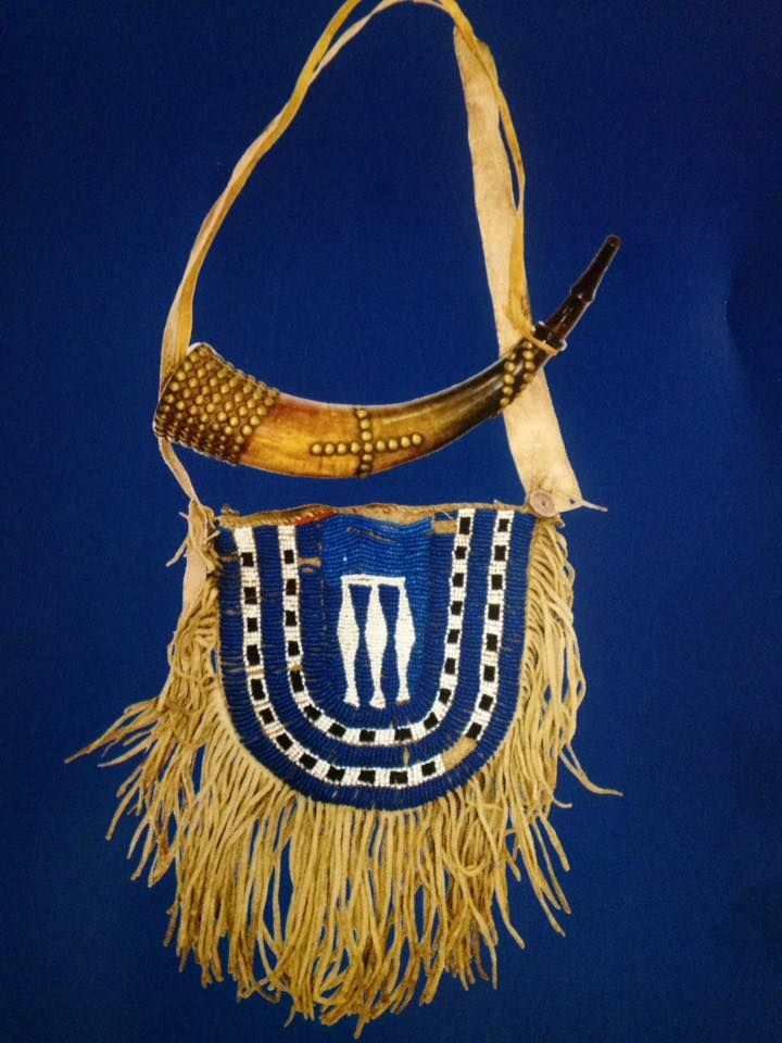 Pouch and horn, early 19th century, exhibit at Mus of the Fur Trade.  ac