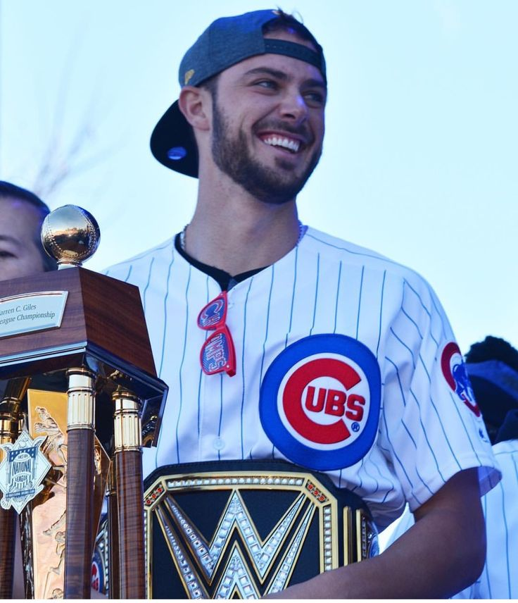 Kris Bryant WWE champion belt, Cubs Parade