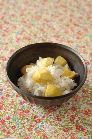 栗ご飯。Chestnut rice.