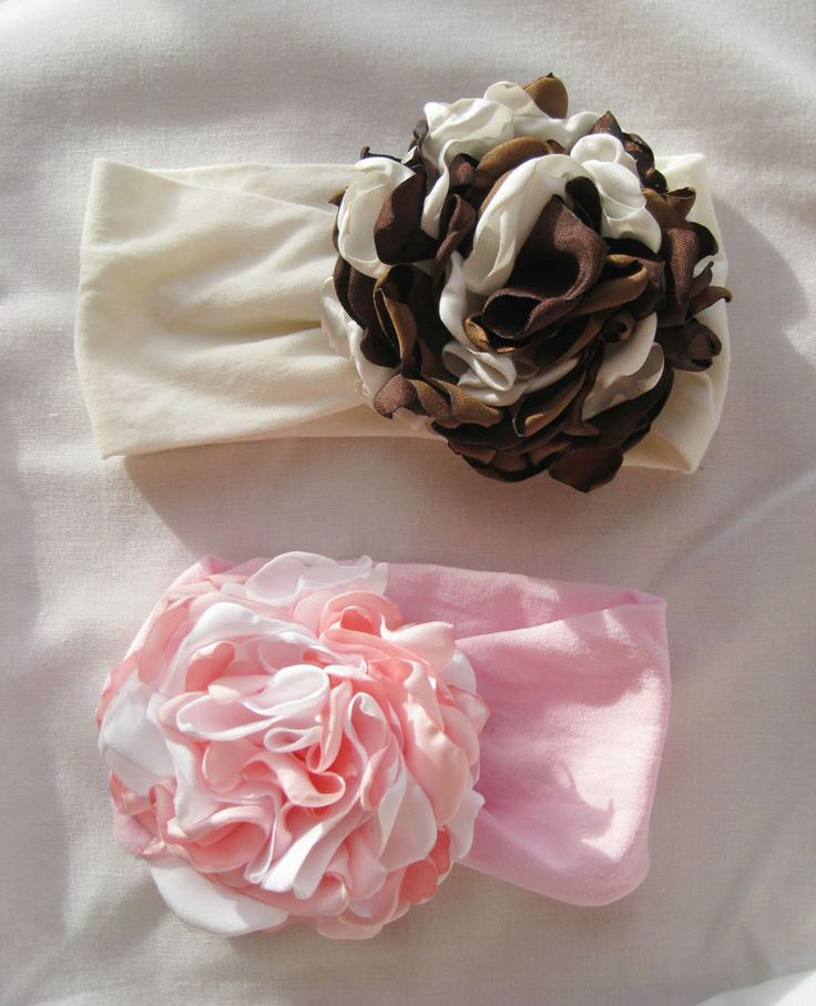 How to Make a Soft Nylon Headband- for your baby or little girl *** this is super easy to make and so cute. I used adult nylons and it was wider than I wanted.  Will use kids nylons next time and see if I like it better. Now I want to make the flowers on this picture!