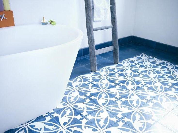 »Zementfliese Muster Blumenornament Weiss/blau« Von Replicata   20 X 20 X 1